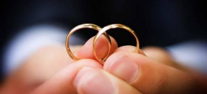 Обручальные кольца с хохломой приметы. Обручальные кольца – приметы и суеверия. Что делать с помолвочным кольцом после свадьбы