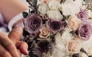 Композиция из цветов на осенний бал. Осенний свадебный букет невесты — фото