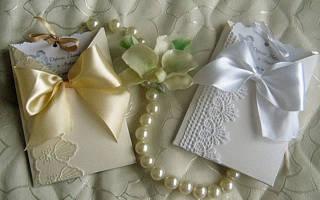Свадебные мелочи, украшения и декор своими руками. Свадебный наряд жениха и невесты. Как сделать из ленты розочку