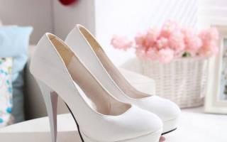Можно ли выходить замуж в старых туфлях. Что предлагают дизайнеры свадебной обуви. Цветные туфли на свадьбу и варианты отделки