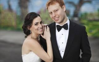 Нужно ли благословение родителей на свадьбу. Слова родительского благословения невесте и жениху. Проводы невесты в загс